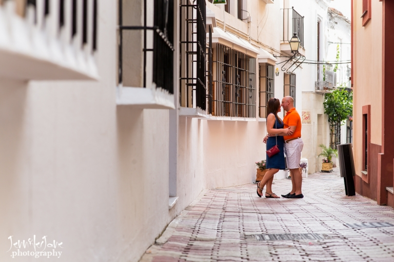engagement-shoot-marbella-old-town